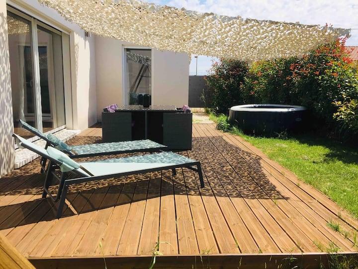 Maison 80 m2 avec spa (du 2/07 au 29/08) et jardin