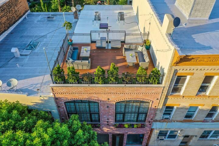 REAL NYC Loft (Rooftop & Balcony) + Airport Pickup
