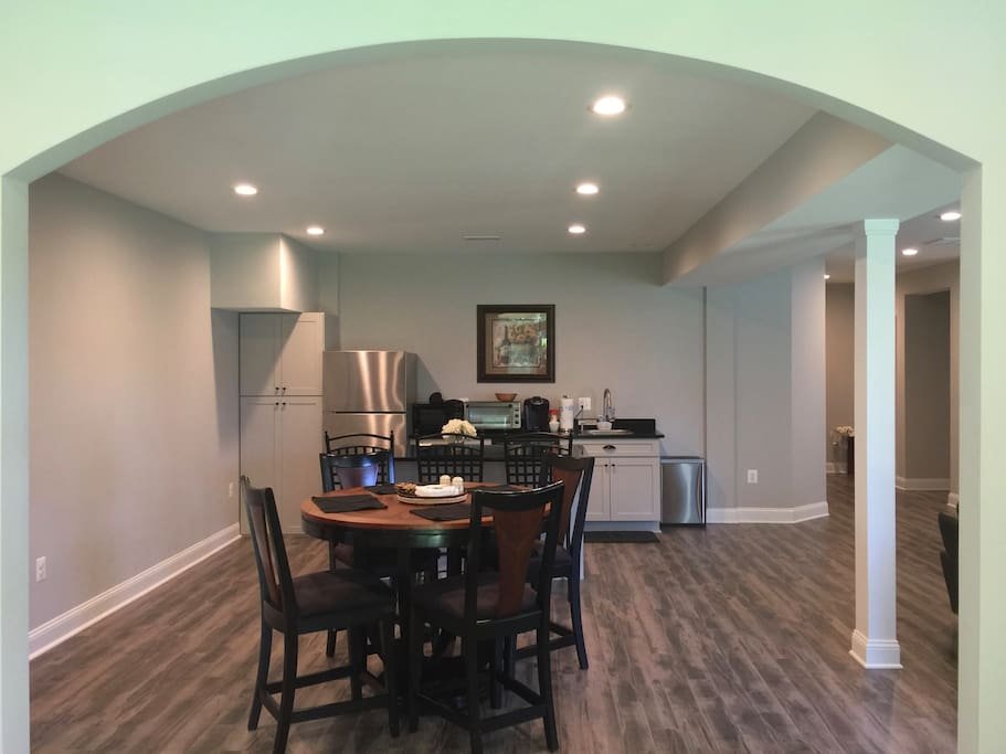 Charming dining and kitchen
