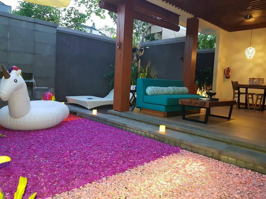 romantic honeymoon set up and candlight dinner pkg