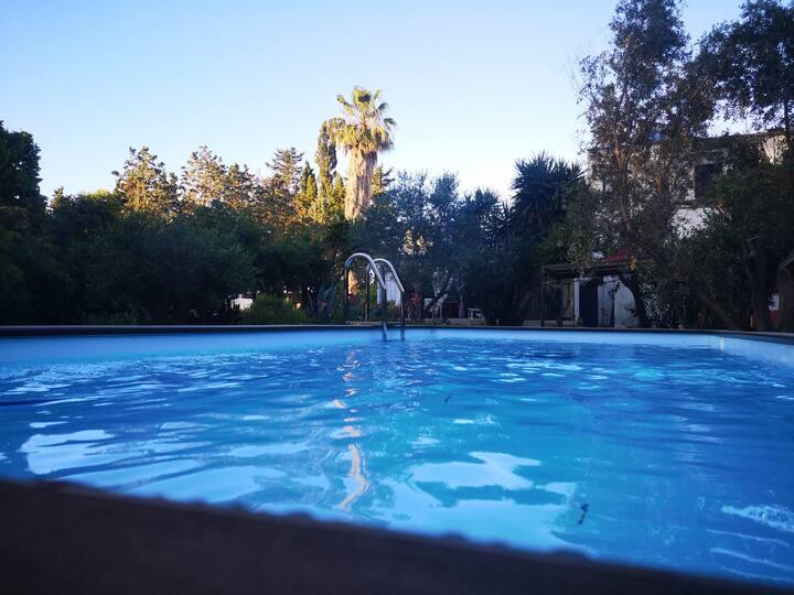Depandance Rossa con  piscina,  tennis e spa