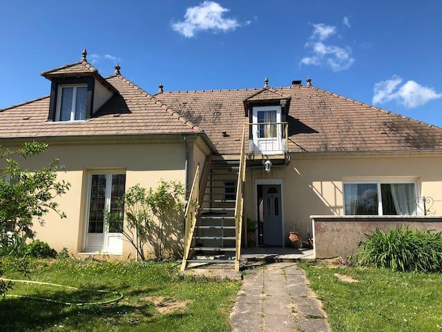 Appartement dans une maison en campagne