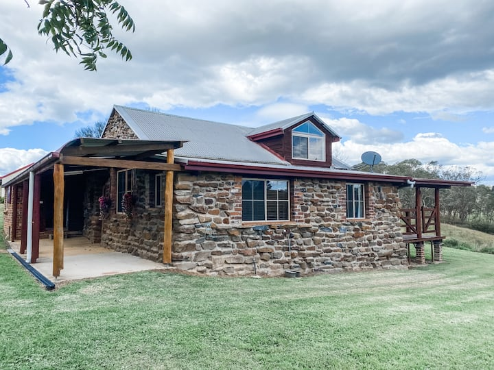 Rivendell Rural Retreat-Secluded on river