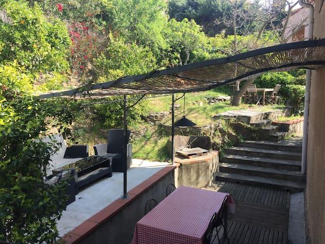 Appartement 2 chambres jardin privatif garage wifi