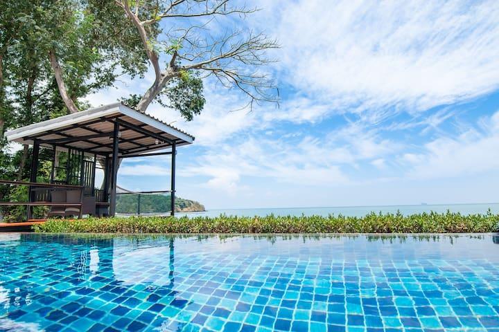 Stunning Beachfront Private PoolVilla - Koh Sirey