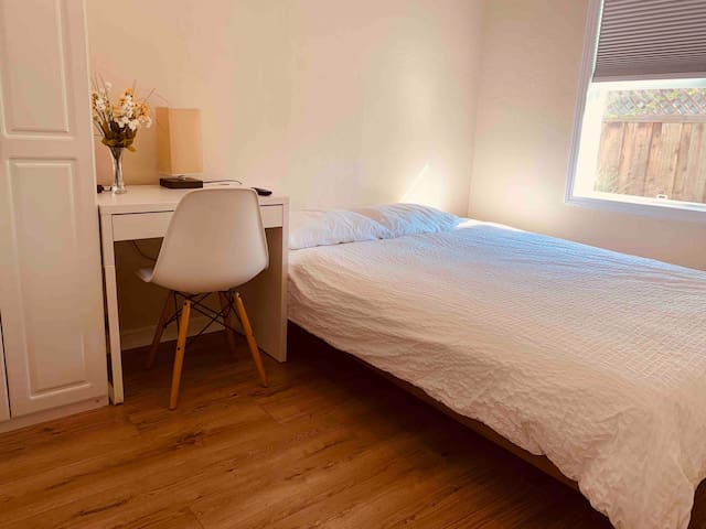 Private 1Bed+1Bath, Separate entry by Santana Row