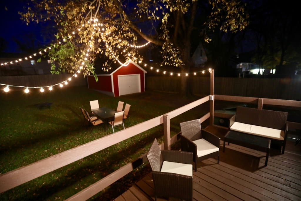 Back Patio & Backyard w/ Fire-Pit & Awesome Lights