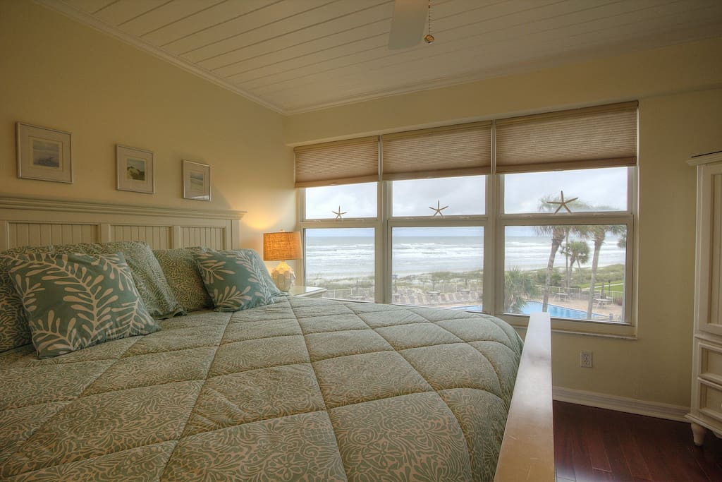 Stare out at the beach from the comfort of your soft king size bed.