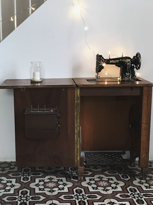 Vintage design and atmosphere with authentic sewing station