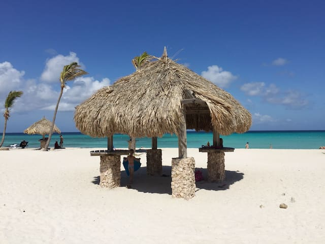 Arashi beach, with its crystal clear water. 3 min. driving from our Aruba Villa