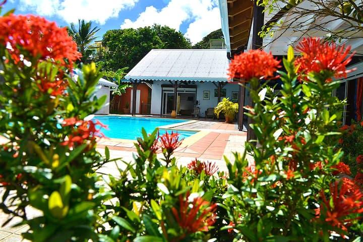 Villa La SIRENE  et son charmant Bungalow