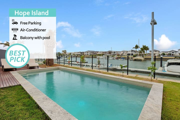 KOZYGURU | Hope Island | Beautiful  Holiday Villa | 5 Bedroom