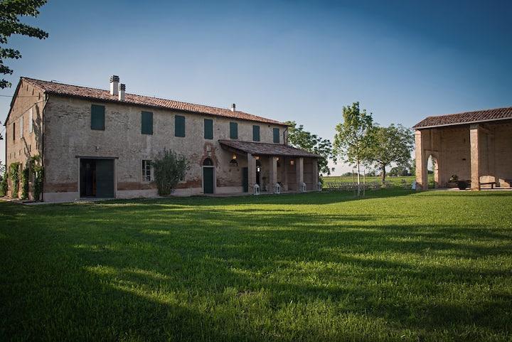 Casa 8 posti & Solarium immersa nel verde a Faenza