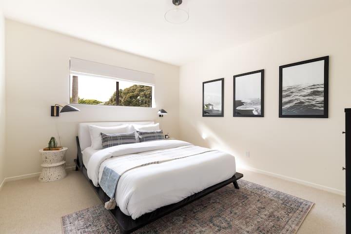 Our third bedroom has a Queen Sized Casper mattress and Parachute Linens