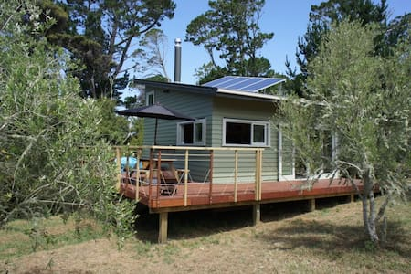 Matakana Vineyard Cabin - Warkworth - Cabin