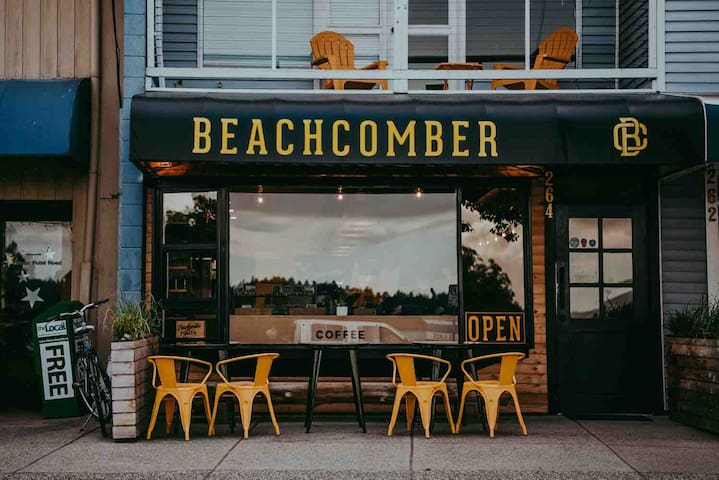 Beachcomber Coffee, best coffee on the Coast and a new location recently opened up at Sunnycrest Mall!   Photo: https://www.katiebowenphotography.com