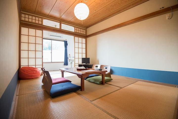 Japanese style room in IzuOshima with low price!