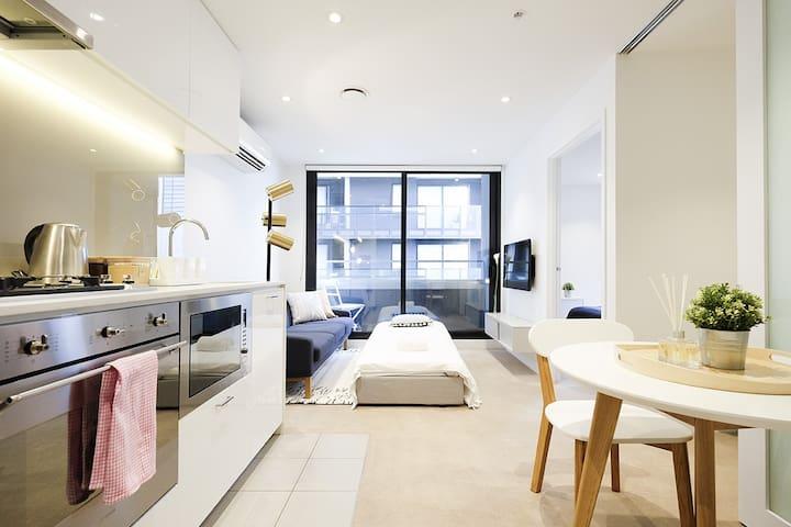 Cosy 2BR 2 Bath Queen Vic Market Lifestyle in City - Melbourne - Apartment