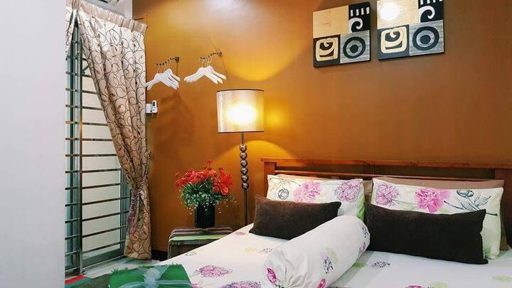 Magnolia : Lovely Double Bedroom in Kota Kinabalu