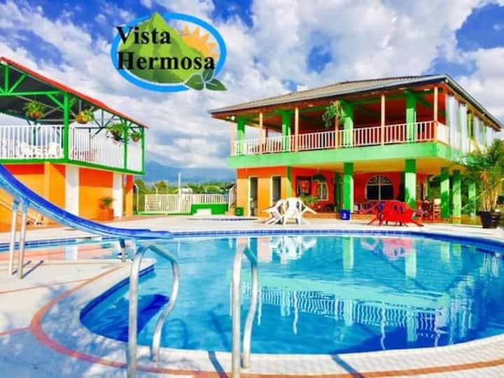 Finca hotel con piscina capacidad para 31 personas