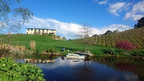 Castello Di Vino - Luxury Accommodation Blenheim