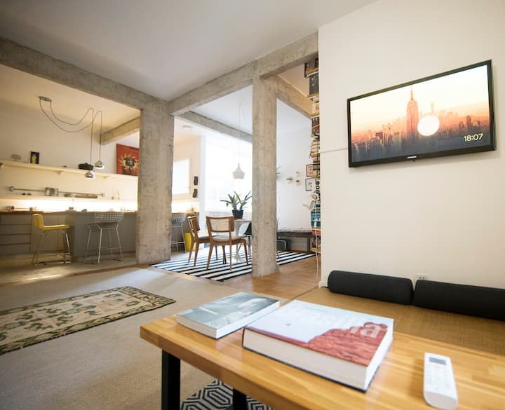 SPACIOUS AND BRIGHT LONG TERM APARTMENT