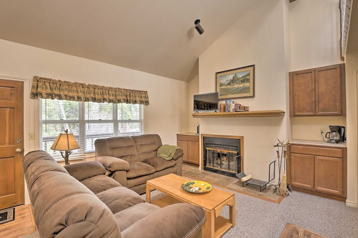 Grand Lake Condo w/ Fireplace, Walk to Water!