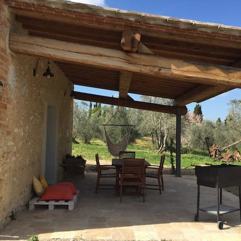 room with patio and private garden - San Gimignano - Bed & Breakfast
