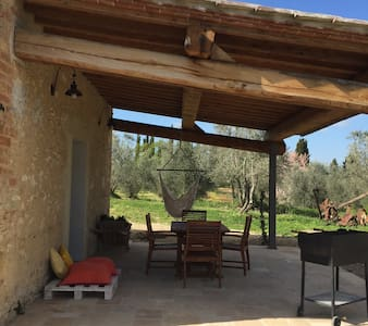 room with patio and private garden - San Gimignano
