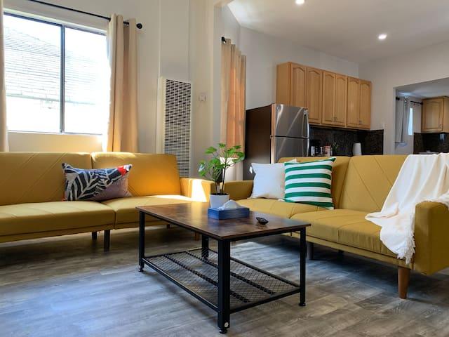 10 Mins Door-to-Door to SF | 3BR 1.5 BA Apartment