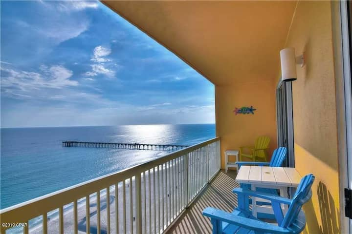 Calypso Beachfront 3 bed/ 2 bath condo. Sleeps 8