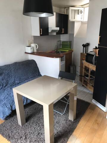 Cozy 1 bedroom flat in Champs Elysées area