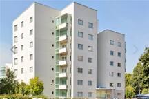 Asunnon julkisivu / Building frontage