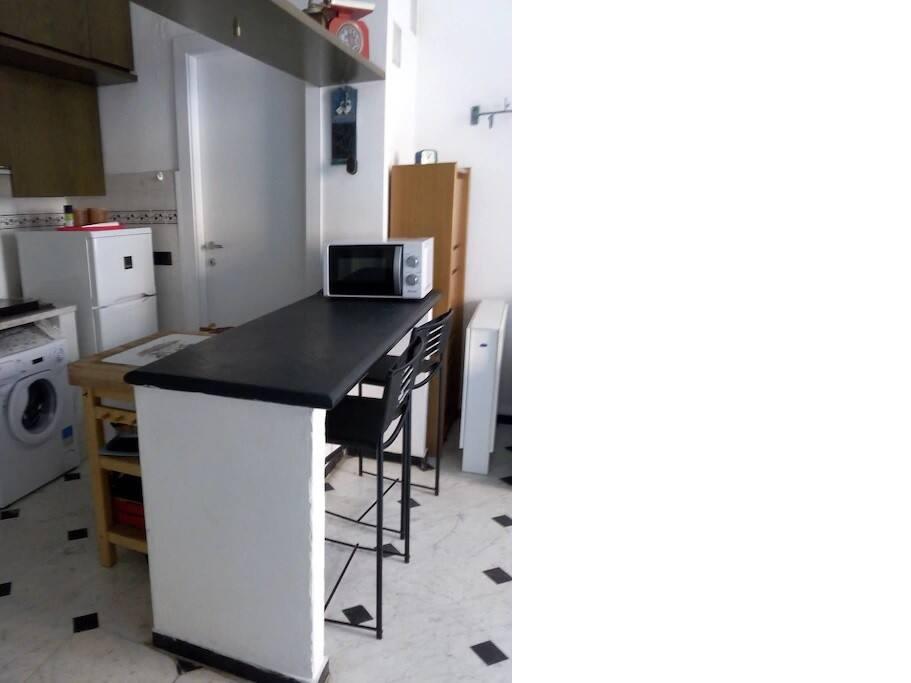 Soggiorno e angolo cottura - Living room/kitchen area