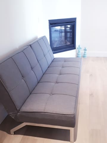 Comfortable couch/futon