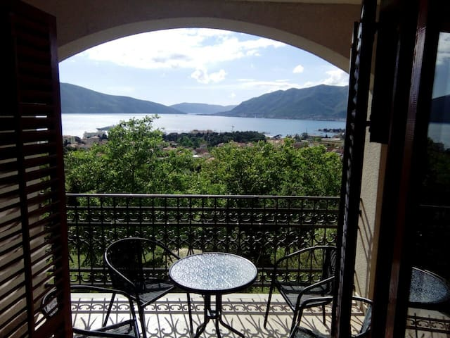 Apartments - Sea view - Tivat - Huoneisto