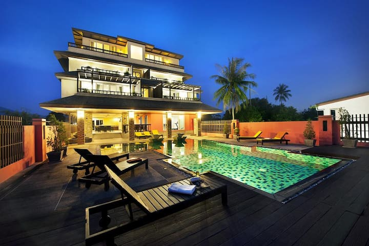 Chalong Beach Deluxe Room