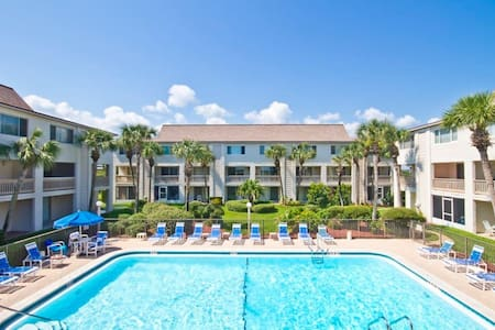 St. Augustine Beach Condo Sleeps 6 - St. Augustine - Appartement