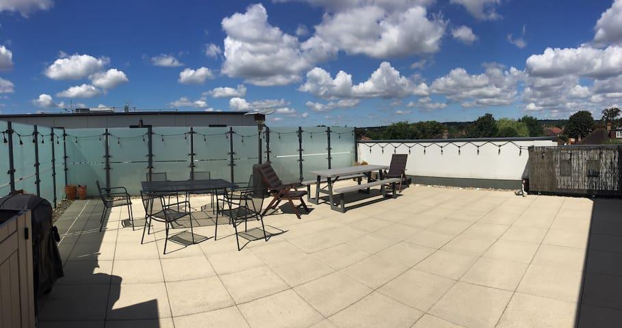 Large double room & roof terrace!! - Grande Londres - Apartamento