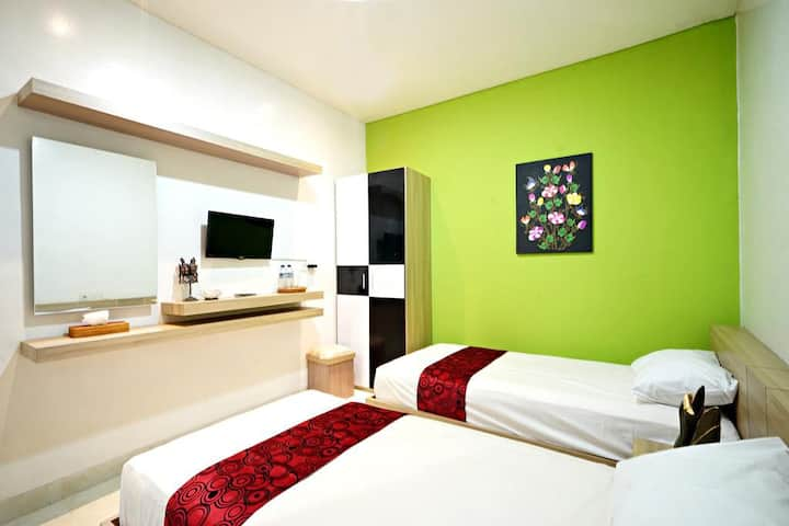 Budget Bed & Breakfast in Kuta, Close to Airport