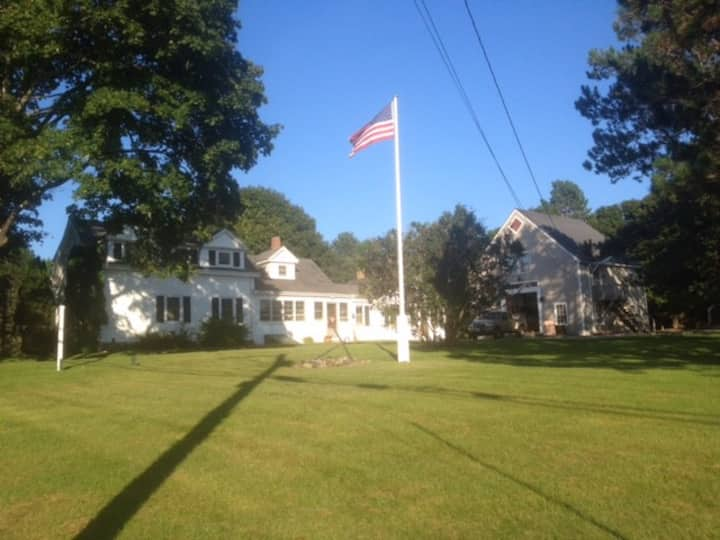 Private Maine Farmhouse Suite