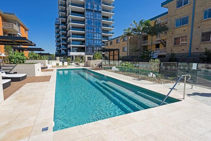 Stunning Oceanview Burleigh Suite w/wifi