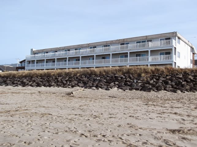 Rockaway Beach Resort Condo #117