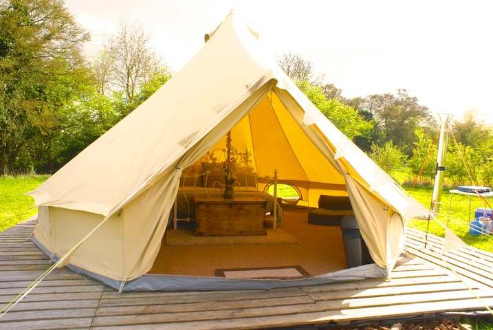 Luxury Glamping - Mad Hatter