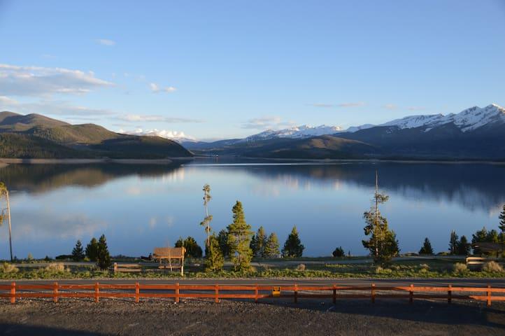 Majestic Ten Mile Range Vistas, Lake Dillon