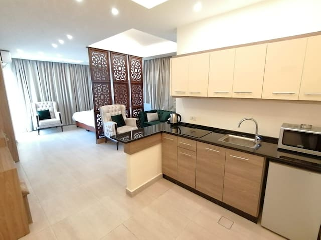 Alqimah Royal Apartment Suite Luxury With Balcony