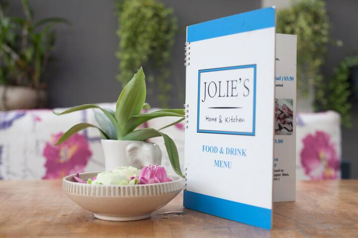 Stay locally @ Jolie's Home and Kitchen