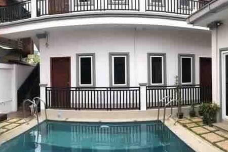 Carolina Angkor Hostel N6 free pickup & pool