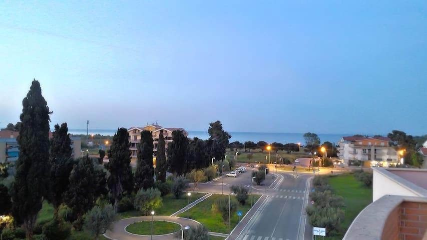 Mansarda ingresso indipendente - Roseto degli Abruzzi - Apartament