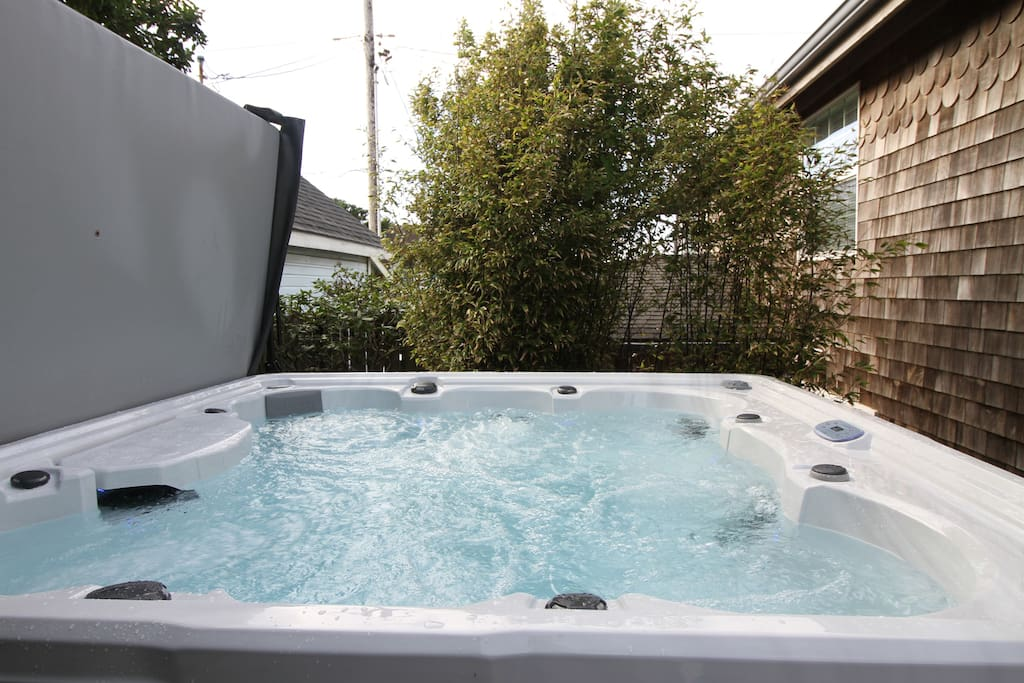 New 7-person hot tub!